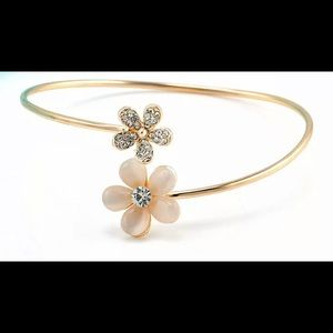 Flower crystal gold plated cuff